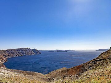 The north part of the Santorini caldera. (Photo: Tobias Schorr)