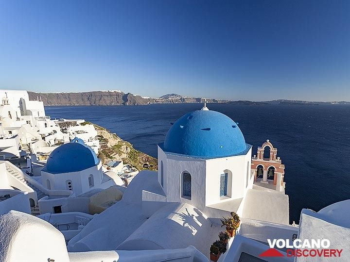 One of the most photographed churches of Greece in Ia (OIA) village of Santorini. (Photo: Tobias Schorr)