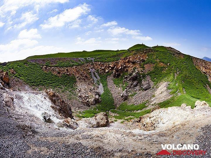 The green covered Georgios crater in March 2019. Nea Kameni island/Santorini. (Photo: Tobias Schorr)