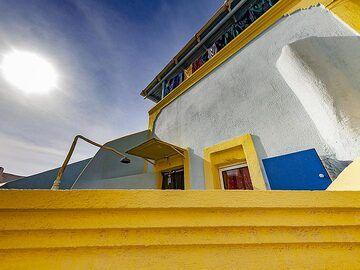 Colorful traditional house design in Emporio village on Santorini island. (Photo: Tobias Schorr)