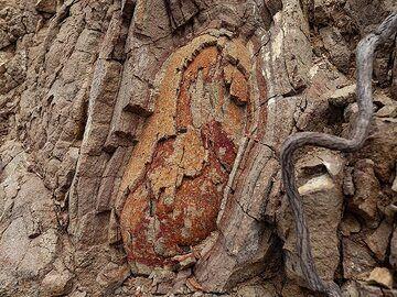 Old pillow lava at Akrotiri. (Photo: Tobias Schorr)