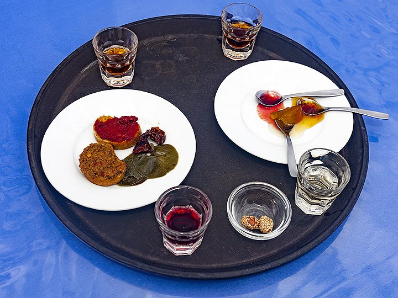 Local Santorinian specialities. (Photo: Tobias Schorr)