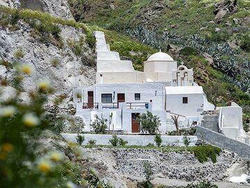 Little chapel in the Emporio valley. (Photo: Tobias Schorr)