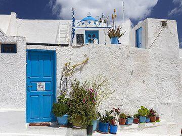Family chapel in Emporio. (Photo: Tobias Schorr)