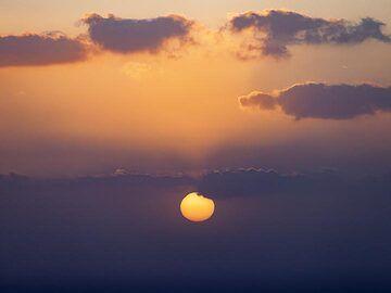 Sunset over Ia village on Santorini island. (Photo: Tobias Schorr)