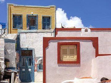 On Thirasia you find still colours. (Photo: Tobias Schorr)