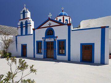 The church of Agios Charalambos on Thirasia island. (Photo: Tobias Schorr)
