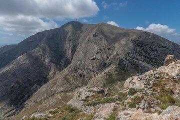 View towards Profitis Ilias mountain. (Photo: Tom Pfeiffer)