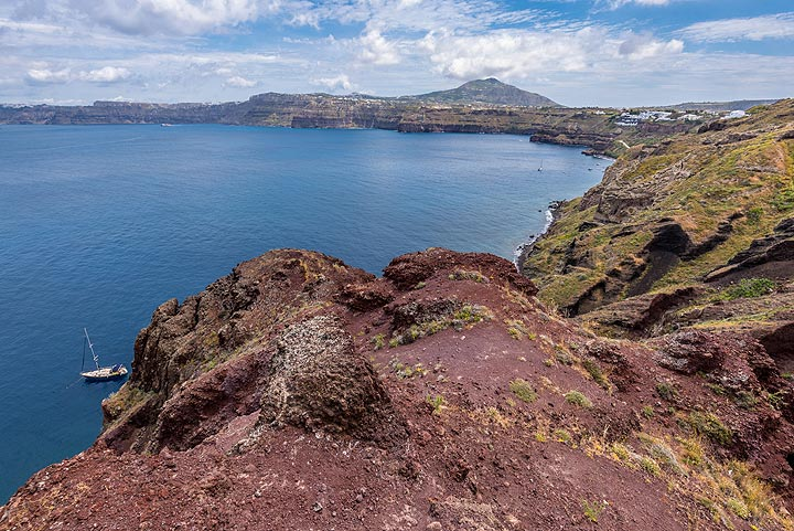 On top of the red cinder cone at Balos (Photo: Tom Pfeiffer)