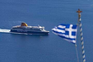 Blue Star ferries leaving the caldera of Santorini. (Photo: Tobias Schorr)