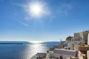 A typical view of Oia village on Santorini. (Photo: Tobias Schorr)