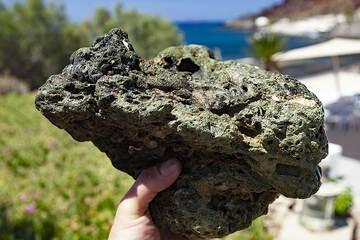 A rare rhyolithe rock from Akrotiri. (Photo: Tobias Schorr)