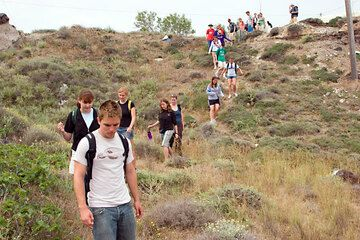 The group of students on the first hike (Photo: Tom Pfeiffer)
