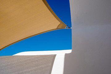 Sun sail (Photo: Tom Pfeiffer)