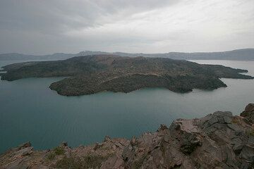 Nea Kameni island (Photo: Tom Pfeiffer)