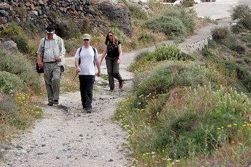 Günther, Andreas and Alexandra on a path near Akrotiri (Photo: Tom Pfeiffer)