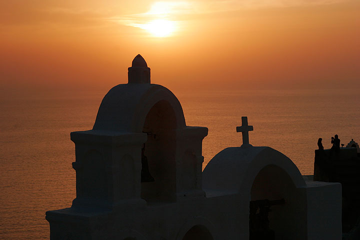 Sunset mood in Oia (Photo: Tom Pfeiffer)