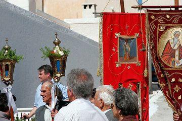 En la procesión (Photo: Tom Pfeiffer)