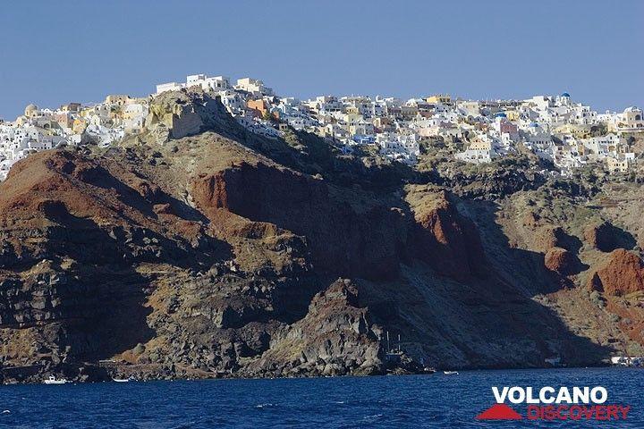 Oia dorp op het noordelijkste puntje van Santorini eiland (Photo: Tom Pfeiffer)