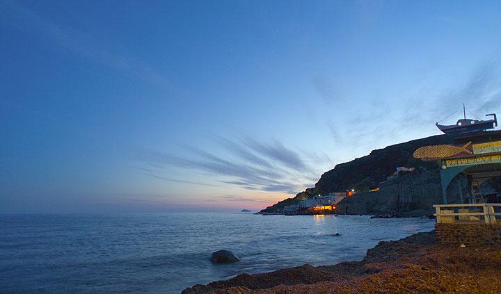 Giorgos' beach tavern (Photo: Tom Pfeiffer)