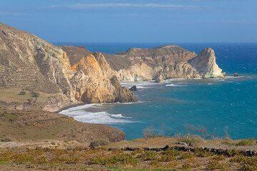 White cliffs near Mesa Pigadia beach (Photo: Tom Pfeiffer)