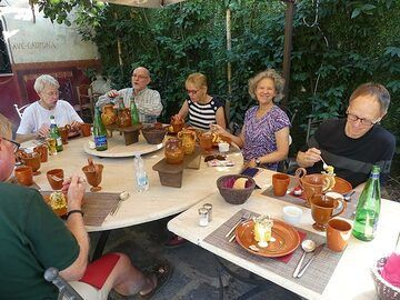 ... by having an elaborate lunch prepared according to the cooking recipes from Roman times. (Photo: Ingrid Smet)