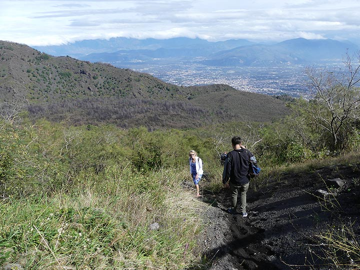 Descend from the summit of Vesuvius in the volcano's this ash deposits with the eastern end of the Somma caldera in the center. (Photo: Ingrid Smet)