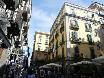 Lively historic centre of Naples with its typical architecture, warm colours and plenty balconies (Photo: Ingrid Smet)