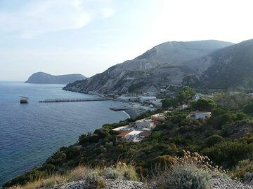 View from the northeastern tip of Lipari towards the large, now abandoned, pumice quarry and transport facilities to the south. (Photo: Ingrid Smet)