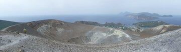 Panormaic view taken from the highest point on the rim, with the active La Fossa crater in the foreground and the islands of Lipari and Salina in the background (right). (Photo: Ingrid Smet)