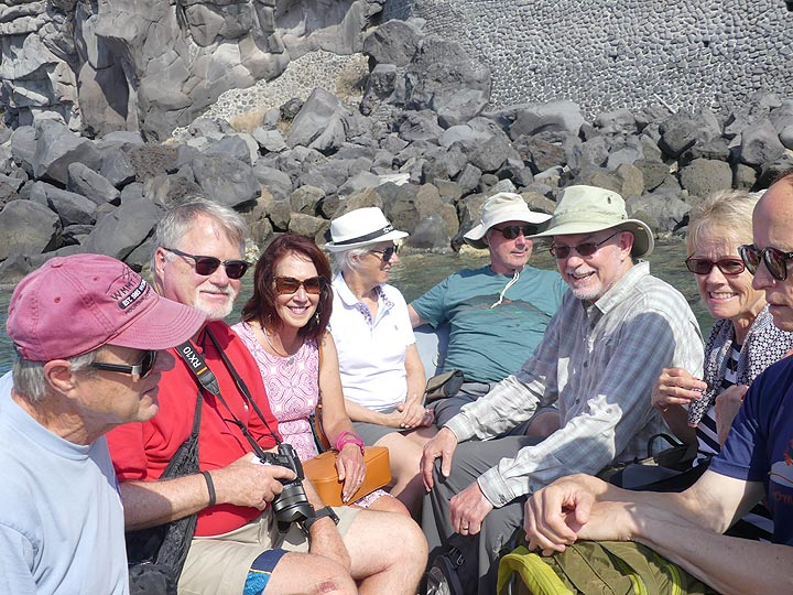 We continue our private boat trip around Stromboli ... (Photo: Ingrid Smet)