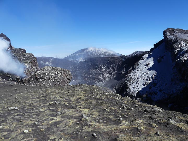 View from the Voragine crater (behind photographer) towards the NEt crater. (Photo: Ingrid Smet)