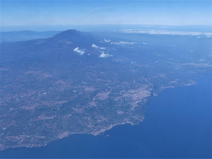 Farewell to Etna volcano, towering high above the northeastern coastline of Sicily. (Photo: Ingrid Smet)
