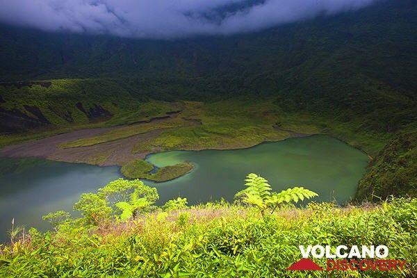 Galunggung volcano's crater, West Java, Indonesia (Photo: Roland Gerth)