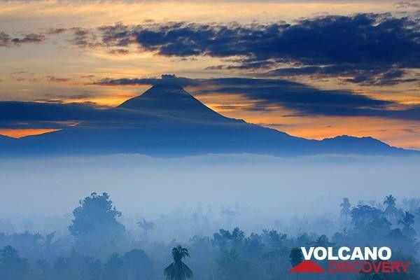 Merapi volcano, Central Java, Indonesia (Photo: Roland Gerth)