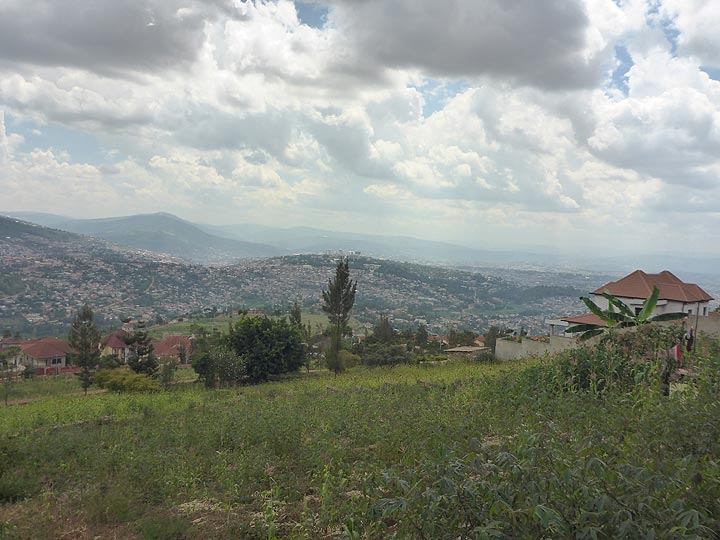 Day 1 - In the land of a thousand hills, the capital is also spread across a number of valleys (Photo: Ingrid Smet)