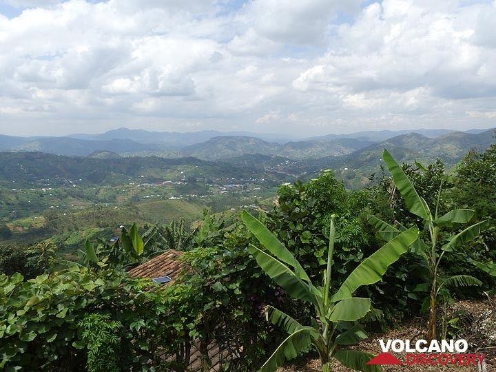 Day 2 - Hilly scenery of western Rwanda  (Photo: Ingrid Smet)