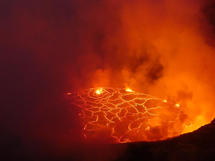 Day 5 - Nyiragongo´s actively bubbling lava lake around dawn on our second morning in the volcano´s summit (Photo: Ingrid Smet)