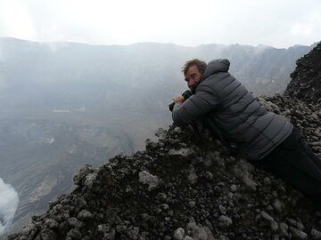 Day 5 - Photographing Nyiragongo´s summit caldera from a different viewpoint (Photo: Ingrid Smet)