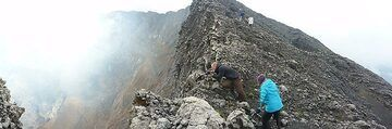 Day 5 - Hiking along and photographing from Nyiragongo´s summit caldera rim (Photo: Ingrid Smet)