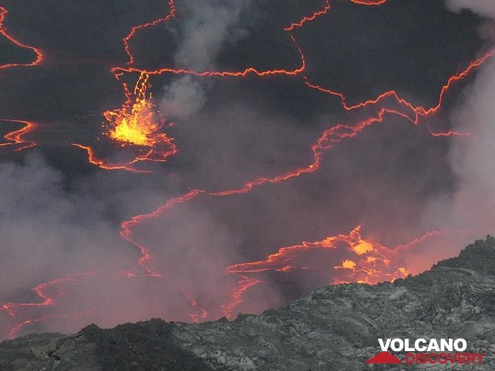 Day 5 - Edge of the lava lake with its orange red crack pattern and bubbling lava  (Photo: Ingrid Smet)