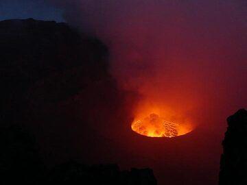 Day 5 - Dusk colours across Nyiragongo´s caldera and lava lake (Photo: Ingrid Smet)