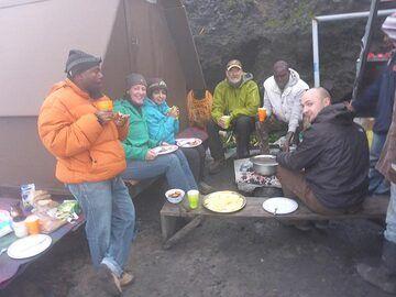 Day 6 - Last breakfast on Nyiragongo´s summit (Photo: Ingrid Smet)