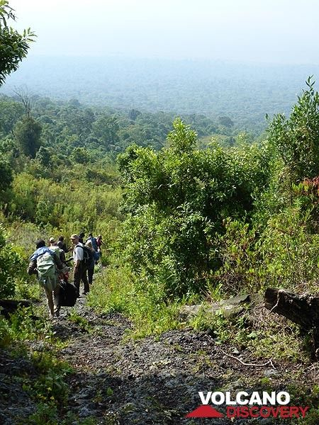 Day 6 - Hiking down across the older volcanic deposits on Nyiragongo´s lower slopes (Photo: Ingrid Smet)