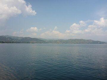 Day 6 - Lake Kivu in the afternoon sunlight, looking towards the Rwandan shoreline (Photo: Ingrid Smet)