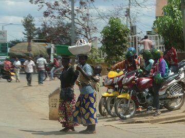 Akagera NP extension - Kigali traffic (Photo: Ingrid Smet)