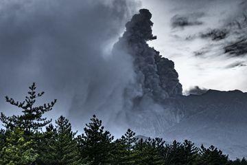 Almost under the ash plume (Photo: Ivana Dorn)