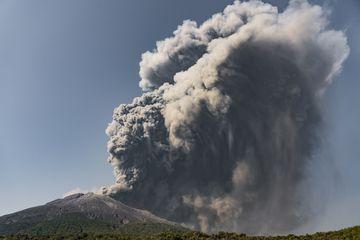 Heavy ash fall (Photo: Ivana Dorn)
