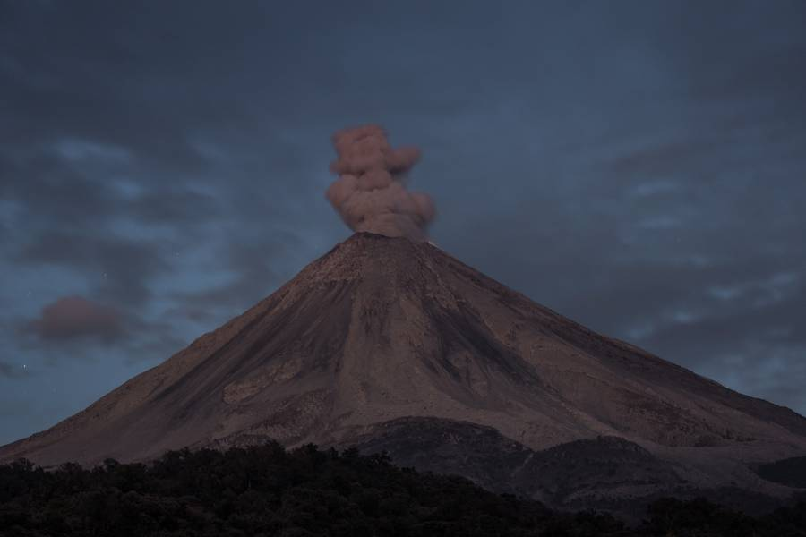 A small eruption of Colima volcano at twilight, Mexico, Feb 2017 (Photo: Ivana Dorn)