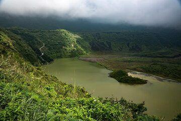 Galunggung volcano's crater lake (Photo: Ivana Dorn)